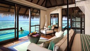 Bungalow mit Pool im Four Seasons Kuda Huraa