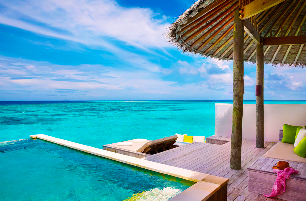 Water Villa mit Pool im Six Senses Laamu
