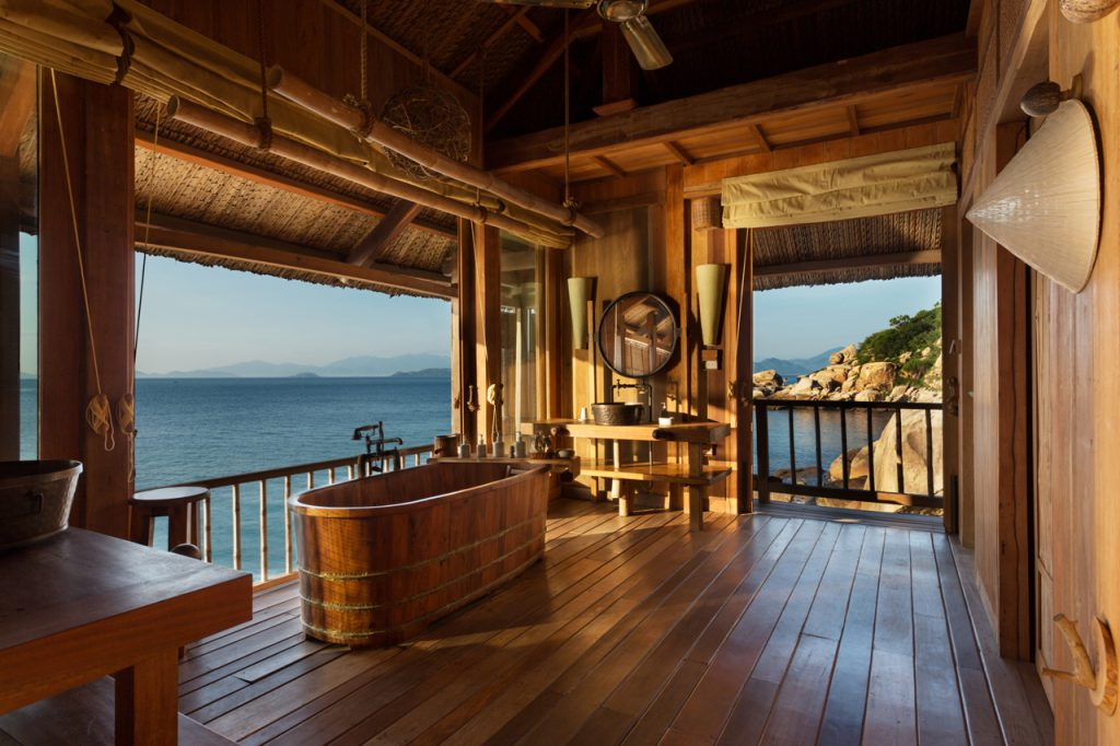 Badezimmer im Six Senses Ninh Van Bay in Vietnam
