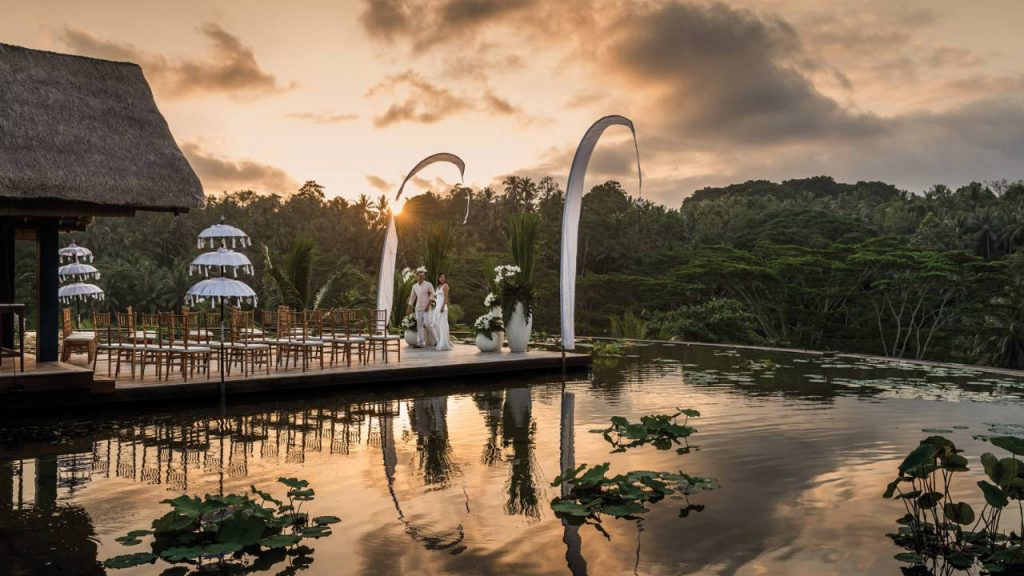 Destination Wedding & Honeymooner-Specials – Four Seasons Bali at Sayan